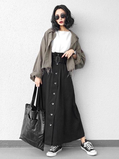 おしゃれジャケット×黒トレンチスカート