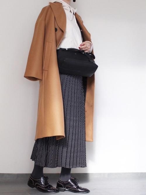 ZARAドットスカート×コートのおすすめ冬コーデ