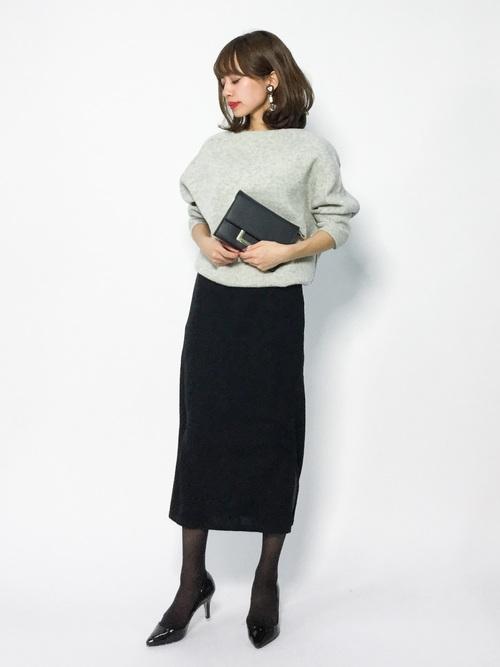 ドロップショルダー×タイトスカート