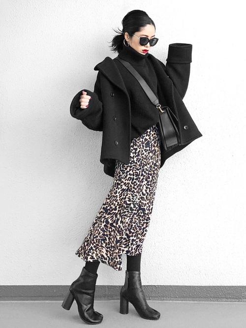 ZARAレオパードスカート×黒コートの冬コーデ