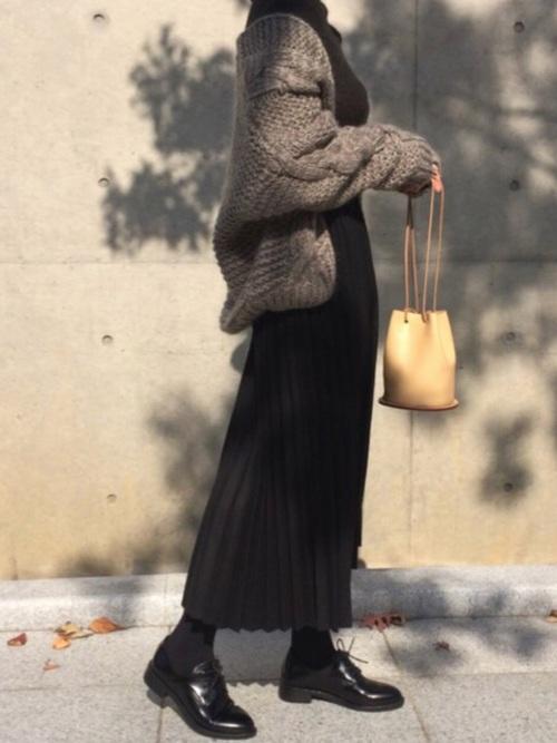 ZARA黒スカート×カーディガンの冬コーデ