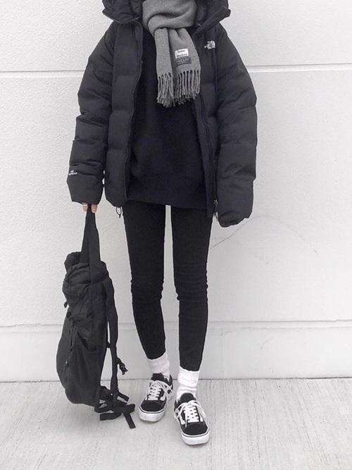 メンズライク風冬ブラックコーデ