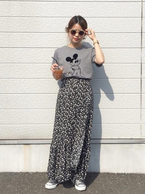 プリントTシャツ×おしゃれスカート