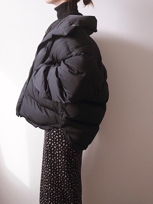 ジップアップジャケット×総柄ロングスカート