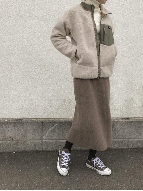 ボアジャケット×ニットロングスカート