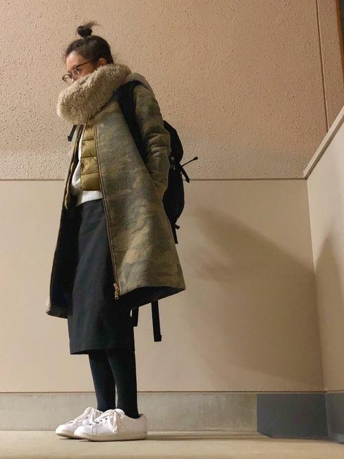 おしゃれコート×黒スカート