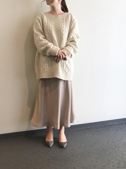 編目が主役のアランニットコーデ