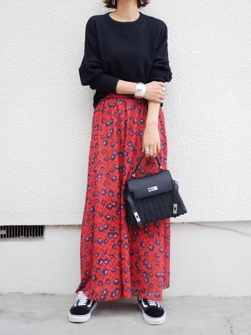 サーマルトップス×花柄スカート