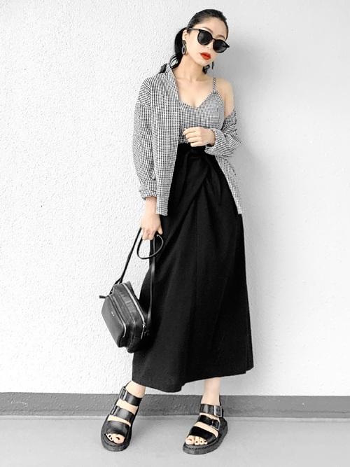 チェックシャツ×ロングスカート