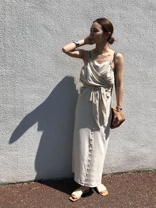 キャミソール×フロントボタンロングスカート