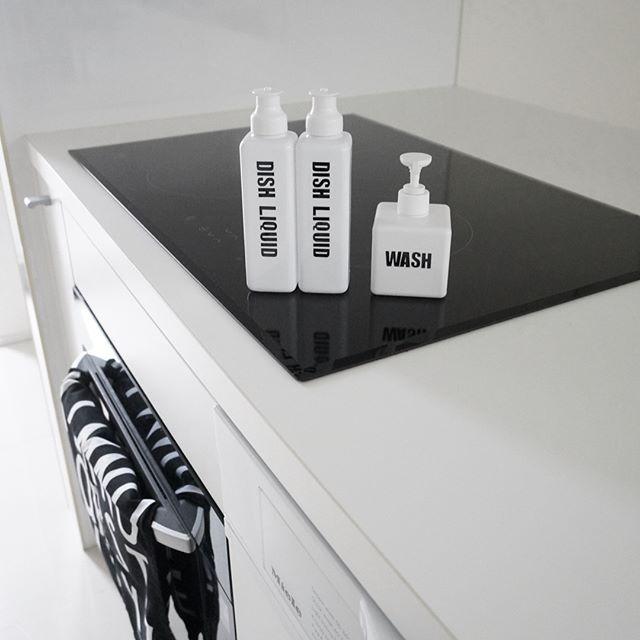 シンプルホワイトが美しい食器洗剤ボトル