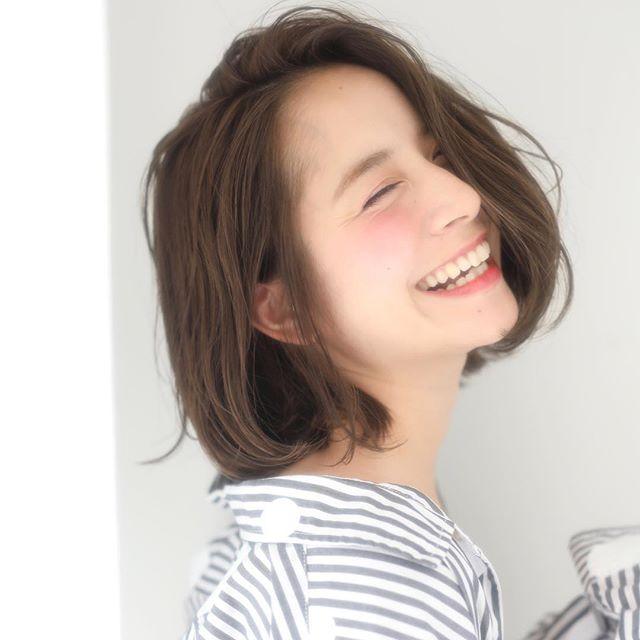 40代女性の若返りが叶うボブの髪型《前髪なし》5