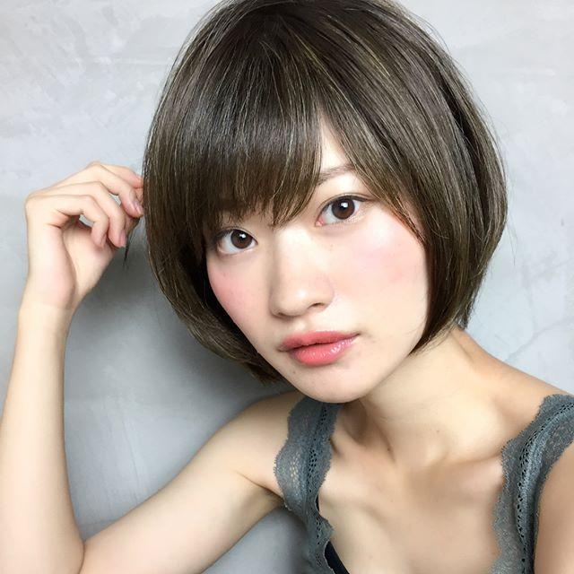 おでこ 広い 髪型5