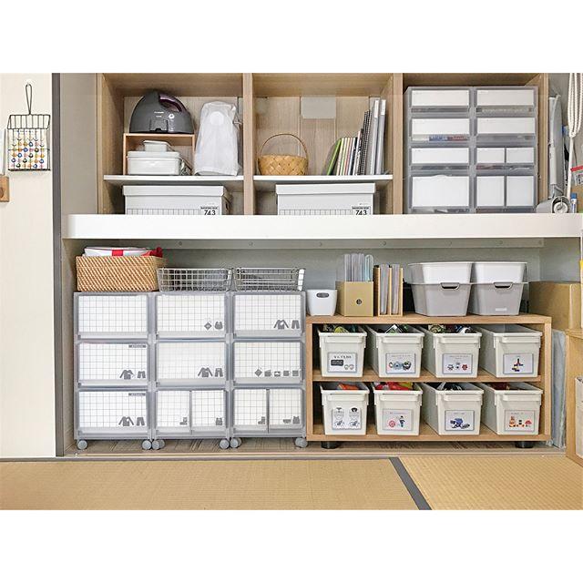 木製家具と箱で和室のおもちゃを片付け