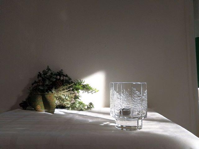 ガラスの模様の美しさを楽しむ