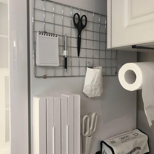キッチンの隙間で真似したいマグネット収納術