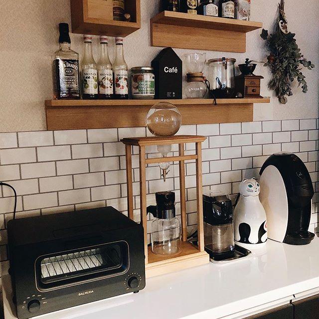 洗練されたスタイリッシュなカフェ風キッチン