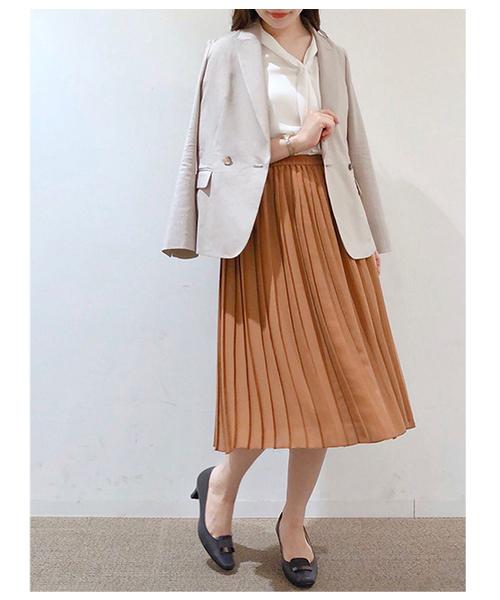 清楚パンプス×プリーツスカート