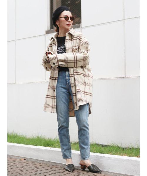 チェックルーズシャツ×デニムパンツ