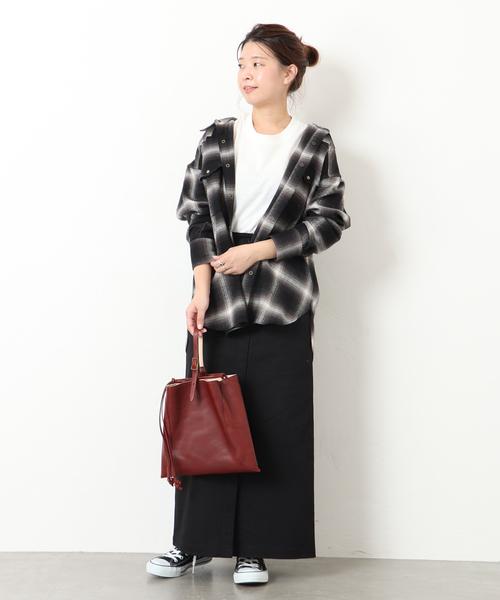 【2020春】黒タイトスカートの最新コーデ
