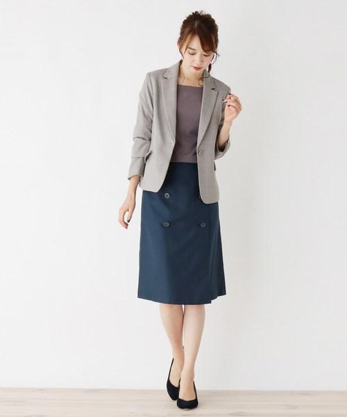 トレンチスカート×オフィスカジュアル