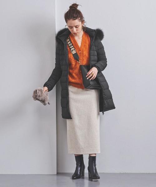 ダウンジャケット×タイトスカート