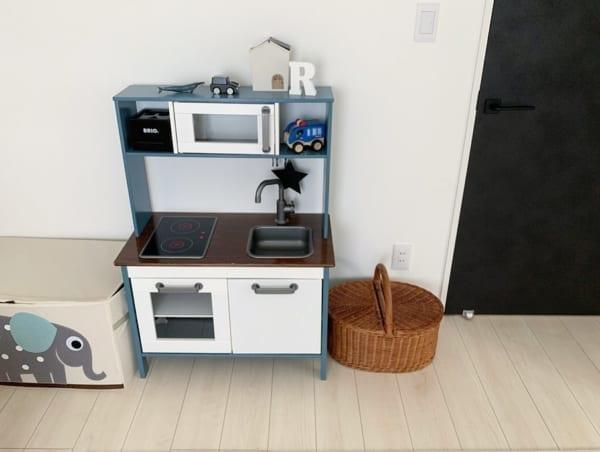 DIYでチャコールにしたままごとキッチン収納