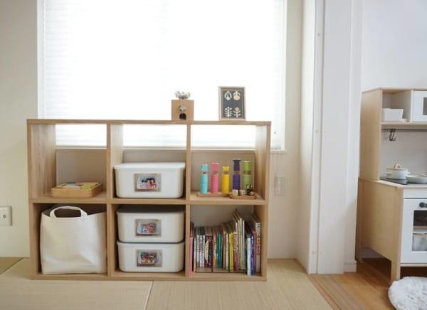 和室のおもちゃや絵本を収納家具で整頓