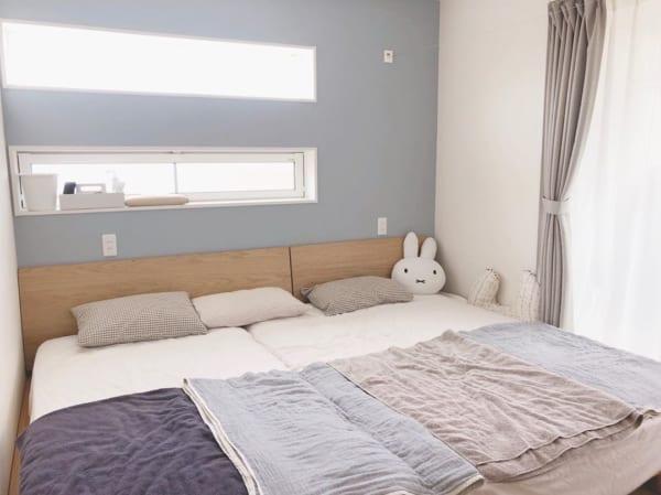 4畳半寝室のベッドで占めるレイアウト