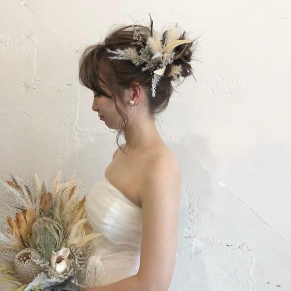 花嫁向けアップの髪型①シンプルな高めアップ