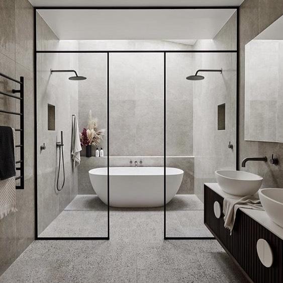 バスルームのグレーインテリア