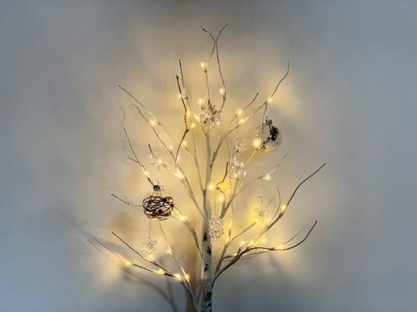 ニトリのLEDツリーでクリスマスアレンジ