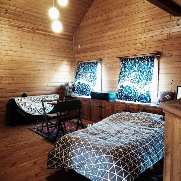 板壁の山小屋風リゾートコーディネート