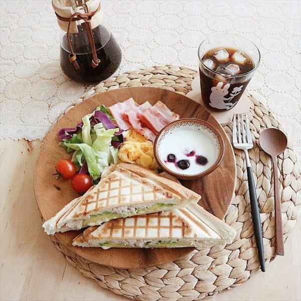 人気の美しきアカシア材の無印良品の食器