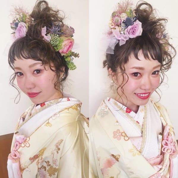 花嫁向けアップの髪型⑥ボリューム&お花
