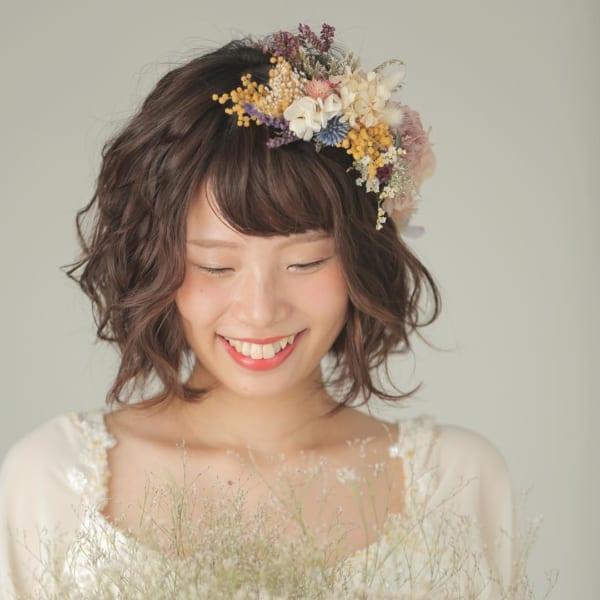 花嫁向けのダウンスタイル①ふんわり&お花