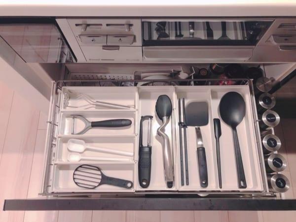 アイデア③キッチンツールは並べて収納