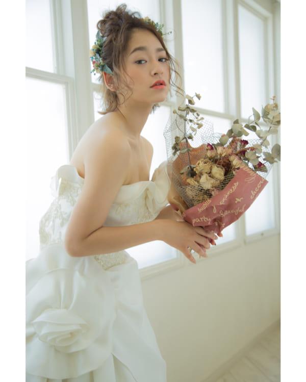 花嫁向けのダウンスタイル②おでこ&サイドをスッキリ