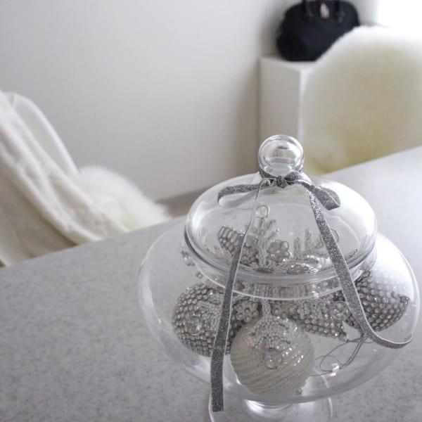 ガラスアイテムでクリスマスデコレーション