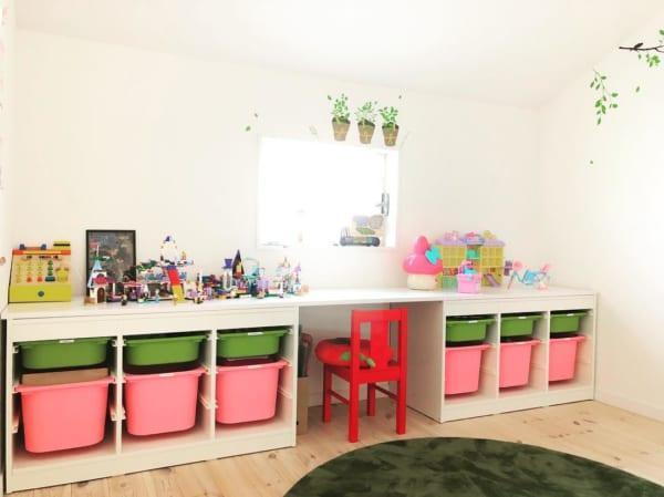 子供部屋をカラフルなボックスで整理収納