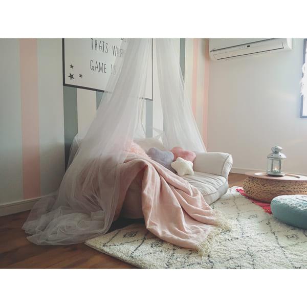 ピンク×グレーでおしゃれストライプの子供部屋