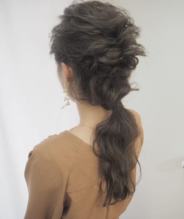 黒髪 ロング パーマ ヘアアレンジ3