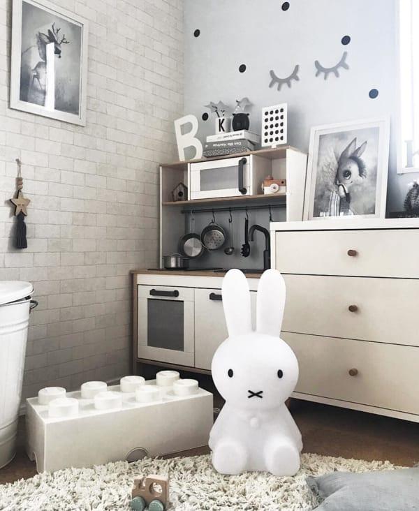 柄×柄の壁紙でハイセンスな子供部屋