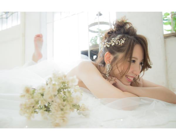 花嫁向け前髪ありの髪型⑥長めアレンジ