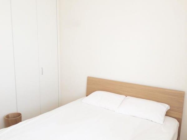 ミニマリスト 寝室 インテリア