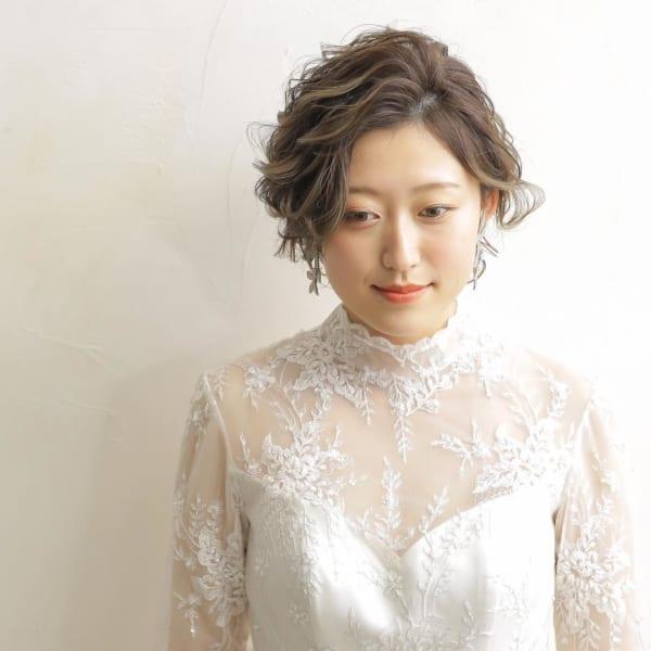 花嫁向け前髪なしの髪型②ふんわり&サイドパート