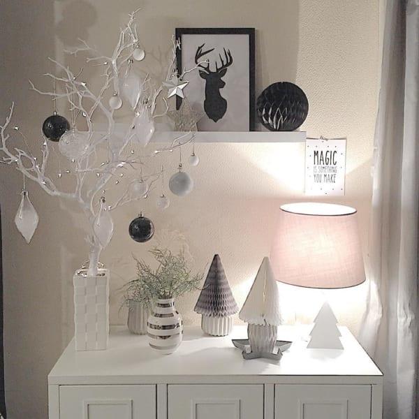 枝ツリーのおしゃれでハイセンスなクリスマスアレンジ6