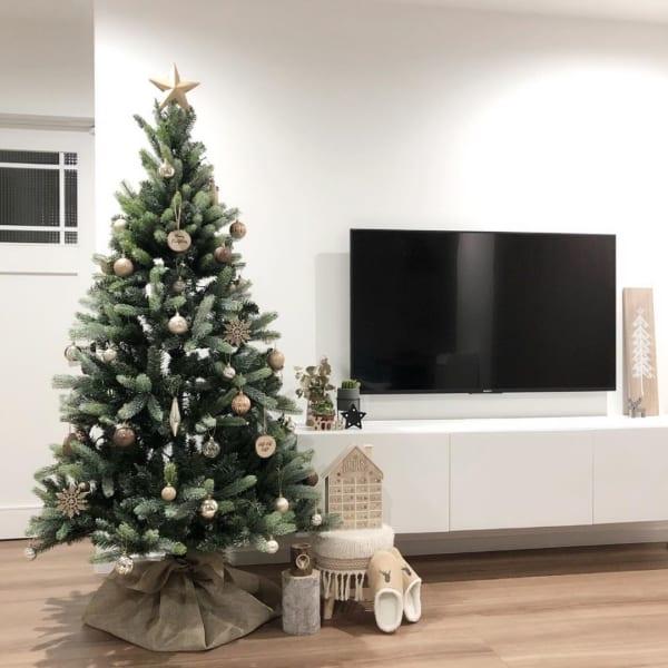 クリスマスツリーや雑貨をおしゃれに飾るためのアイデア