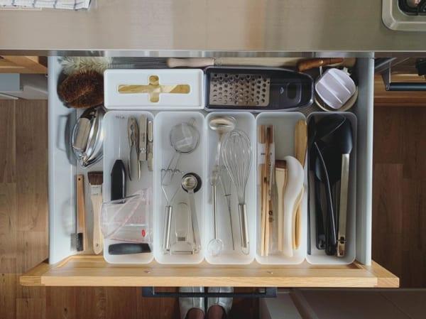 便利で使いやすいキッチン小物収納方法1