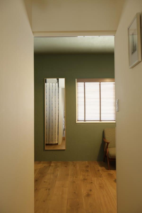 家全体の様子が見渡せるキッチンは、奥さまのワークスペースも兼用2